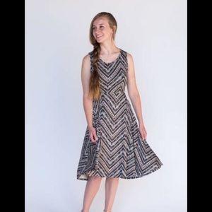 Agnes and Dora Angelou Gray Chevron Print Dress XL